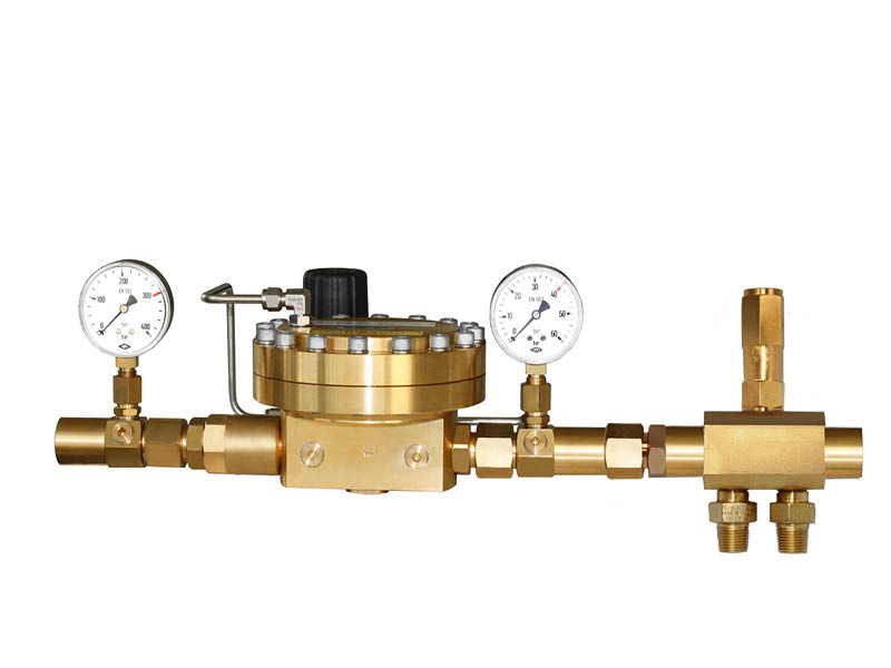 WITT Dome-loaded pressure regulator as manifold pressure regulator